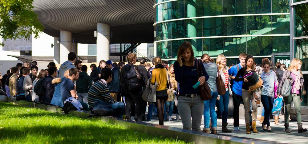 Grenoble ecole de management et la comue grenoble rhone-alpes Laureat des trophees Des campus responsables